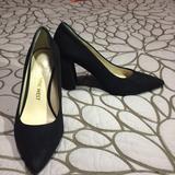 Nine West Shoes | Black Suede Chunky Heeled Pumps. | Color: Black | Size: 6