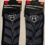 Under Armour Other   Mens Arm Sleeves Bundle   Color: Black/Gray   Size: Small