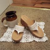 American Eagle Outfitters Shoes | American Eagle Sandal | Color: Tan/White | Size: 8