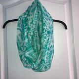 American Eagle Outfitters Accessories   American Eagle Infinity Scarf   Color: Green/White   Size: Os