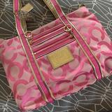 Coach Bags   Coach Shoulder Bag, Great Condition !   Color: Pink   Size: Os