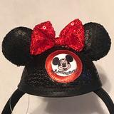 Disney Accessories   Disneyland Mouseketeer Headband   Color: Black/Red   Size: Os