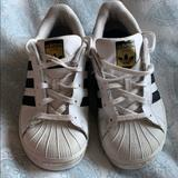 Adidas Shoes | Adidas Superstar Sneakers | Color: Black/White | Size: Size 2 Boy Or Girl