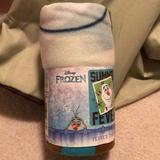 Disney Bedding   Disney Frozen Throw Blanket Olaf 40x50   Color: Cream   Size: Os