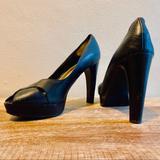 Jessica Simpson Shoes | Black Platform Heels | Color: Black | Size: 7.5