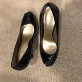 Nine West Shoes | Black Patent Leather Pumps. | Color: Black | Size: 7