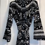 Pink Victoria's Secret Intimates & Sleepwear   Black And White Aztec Bathrobe. Size Xsmallsmall   Color: Black/White   Size: Xs