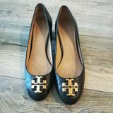 Tory Burch Shoes | Black Chunky Heel Pumps | Color: Black/Gold | Size: 8.5