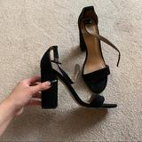 Urban Outfitters Shoes | Black Chunky Heel Shoe | Color: Black | Size: 8