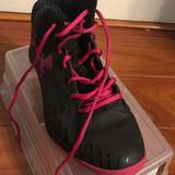 Under Armour Shoes   Black And Pink Basketball Shoes   Color: Black/Pink   Size: 10