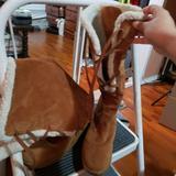 Michael Kors Shoes | Michael Kors Winter Boots Size 7 | Color: Tan/White | Size: 7