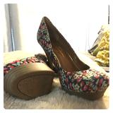 Jessica Simpson Shoes   Jessica Simpson Pump   Color: Blue/Pink   Size: 8