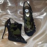 Nine West Shoes | Nine West Camo Peep Toe Heels | Color: Black/Green | Size: 7