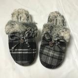 Michael Kors Shoes | Michael Kors Indooroutdoor Faux Fur Slippers Sz 5 | Color: Black/White | Size: 5