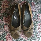 Nine West Shoes | Nine West Wedge Twisted Open Toe Leather Euc | Color: Green | Size: 9