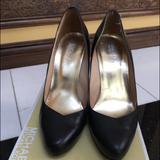 Michael Kors Shoes | Michael Kors Black Pump Shoe | Color: Black | Size: 8.5