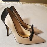 Kate Spade Shoes | Kate Spade Women'S Sz 6.5 Two-Tone Satin Pumps | Color: Black/Gold | Size: 6.5