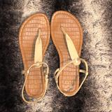American Eagle Outfitters Shoes   Nude Sandals   Color: Cream   Size: 9