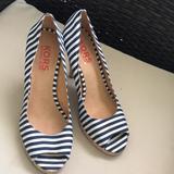 Michael Kors Shoes   Michael Kors Black & White Stripe Shoes Shoes.   Color: Black/White   Size: 10