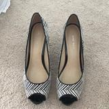 Nine West Shoes | Black And White Textured Peep Toe Heel | Color: Black/White | Size: 8