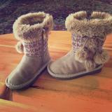 Michael Kors Shoes   Michael Kors Ugg Boots   Color: Tan   Size: 7bb
