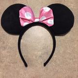 Disney Costumes   Minnie Mouse Ears Headband   Color: Black/Pink   Size: Osg