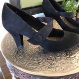 American Eagle Outfitters Shoes | Black Suede Velvet Strap Slip On Pump Shoe 8.5 | Color: Black | Size: 8.5