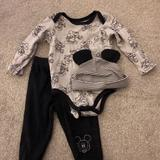 Disney Matching Sets   Baby Boy 3 Piece Outfit   Color: Gray   Size: 12mb