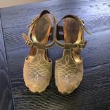 Michael Kors Shoes | Micheal Kors Platform Shoe | Color: Brown | Size: 8.5