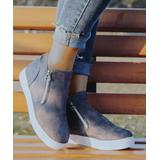 ROSY Women's Casual boots Grey - Gray Zip-Accent Ankle Boot - Women