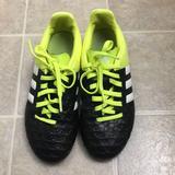 Adidas Shoes   Adidas Kids Soccer Shoes Size 1 12   Color: Black/White   Size: 1 12