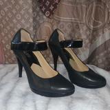 Michael Kors Shoes   Classic Michael Kors Mary Jane Pumps Sz 7 Leather   Color: Black   Size: 7