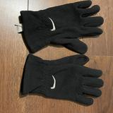 Nike Accessories   Nike Winter Gloves   Color: Black   Size: Medium