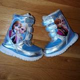 Disney Shoes   Frozen Toddler Light Up Snow Boots   Color: Blue/Silver   Size: 6bb