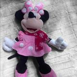 Disney Toys   Disney Minnie Mouse With Scarf Plush Toy.   Color: Black/Pink   Size: 17 In.