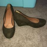Nine West Shoes   Nine West Olive Green Wedge Sz 9.5   Color: Green   Size: 9.5