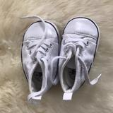 Converse Shoes   Baby White Converse Crib Shoes Size 1   Color: White   Size: 1bb