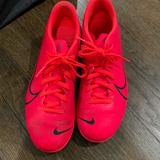 Nike Other   Kids Soccer Cleats   Color: Pink   Size: 6