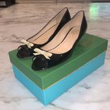 Kate Spade Shoes | Kate Spade Ny Black Patent Peep Toe Bow Wedges | Color: Black/Cream | Size: 8