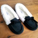 Jessica Simpson Shoes | Jessica Simpson Black Moccasin Slippers Shoes | Color: Black/White | Size: 7