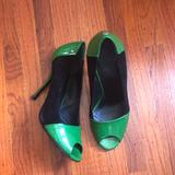 Gucci Shoes | Gucci Peep Toe Pumps In Black Suede Green Patent | Color: Black/Green | Size: 6