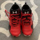 Under Armour Shoes   Euc Boys Basketball Shoes   Color: Black/Red   Size: 6b