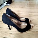 Jessica Simpson Shoes   Jessica Simpson Pointy Toe Heels   Color: Black   Size: 8.5