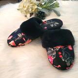 Victoria's Secret Shoes | 5$20victoria'S Secret | Slippers | Color: Black/Red | Size: Medium