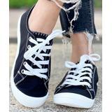 BUTITI Women's Sneakers BLACK - Black & White Contrast-Stitch Sneaker - Women