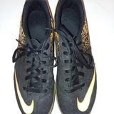 Nike Shoes | Nike Youth Indoor Soccer Shoes | Color: Black/Yellow | Size: 4b