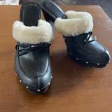 Michael Kors Shoes   Michael Kors Size 6 Closed Toe Winter Heels   Color: Black   Size: 6