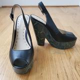 Nine West Shoes | Nine West Peep Toe Wedge Sandals Size 6 | Color: Black/Green | Size: 6