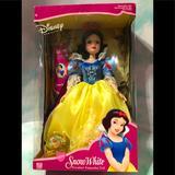 Disney Toys   Disney Vtg Princess Snow White Porcelain Doll Nwt   Color: Blue/Yellow   Size: Doll Size Large 16