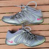 Nike Shoes | Nike Gray & Pink Ne Marque Pas Non-Marking Shoes | Color: Gray/Pink | Size: 6